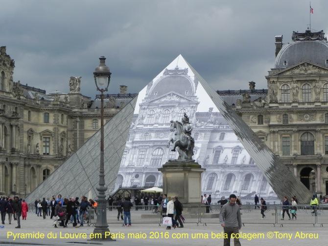 4011 pyramide du Louvre - 1
